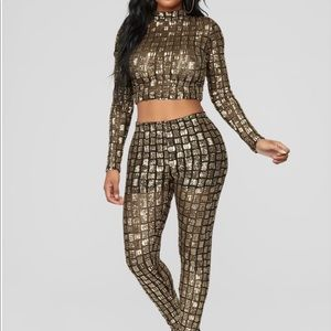 Sequin mock neck 95% polyester 5%spandex